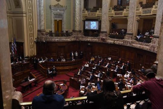 Uruguay: el gobierno promueve modificaciones a la Ley de Medios que podrían afectar directamente a las radios comunitarias